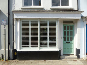 Ground Floor Flat With Large Bay Window Shutters